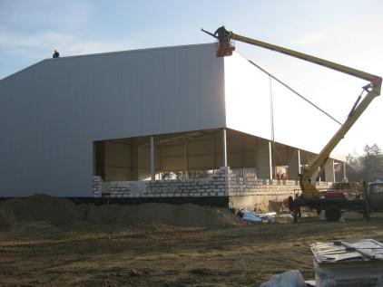 Монтаж быстровозводимого здания ФОК в Калининграде