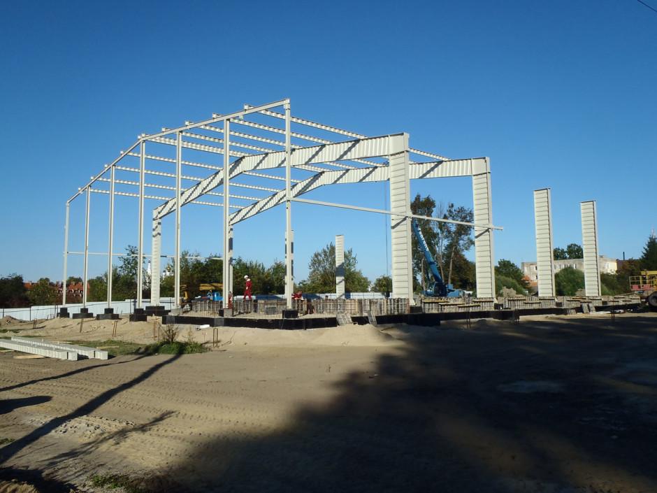 Начало монтажа несущей конструкции ФОК
