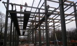 Монтаж металлических конструкций зоопарка